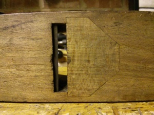 Mouth of wooden plane