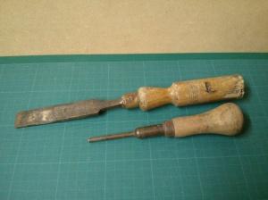 Woodcock chisel and Woden Pushpin